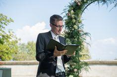 #Trauung in # SchlossSeeburg in #Kreuzlingen am #Bodensee. #meinhochzeiztsredner #hochzeitsredner #freierredner #freietrauung #freiertheologe #hochzeit #zeremonie #trauzeremonie #theologe #wedding #schweiz #thurgau #stgallen Fictional Characters, Switzerland, Fantasy Characters