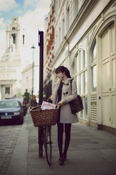The gentlewoman and the bike basket