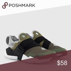 separation shoes ce25d ac26c NIKE AUTHENTIC HUARACHE medium olive new NIKE AUTHENTIC HUARACHE sz  6y,6.5y,7y