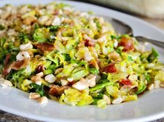 Sauteed Brussels Sprouts with Bacon & Cashews Sauteed Brussel Sprouts, Sprouts With Bacon, Brussels Sprouts, Vegetable Sides, Vegetable Side Dishes, Food Dishes, Main Dishes, Yummy Veggie, Yummy Food
