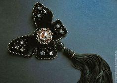 """Брошь """"Кора"""" - чёрный,брошь,бабочка,Вышивка бисером,черная брошь,бархат"""