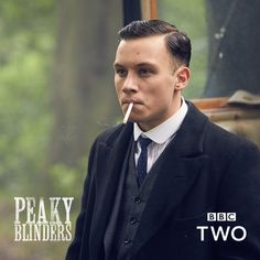 Peaky Blinders - Michael Gray 💙 - Sally's Home Finn Cole, Joe Cole, Michael Peaky Blinders, Peaky Blinders Merchandise, Peaky Blinder Haircut, Mens Hairstyles With Beard, Hairstyle Men, Funky Hairstyles, Formal Hairstyles