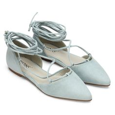 When you got the suede lace-up flats, everything will be fabulous. This pair of adorable flats has a pointed toe, and adjustable laces that crisscross over the vamp and tie around your ankle.