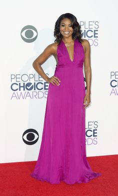 Gabrielle Union wore a plum Honor gown on the People's Choice Awards red carpet. (Photo: Paul Buck/European Pressphoto Agency)