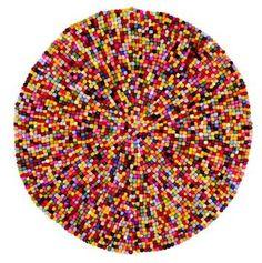 tapis cotillon chez fly diam140 cm 299 € , parfait réplique du Tapis Pinocchio signé Hay diam 90 cm pour le meme prix