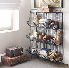 Vintage industrial – Eclectic Home Decor Today Boys Room Decor, Bedroom Decor, Wall Decor, Vintage Industrial Bedroom, Design Exterior, Interior Design, Cubby Storage, Playroom Storage, Playroom Ideas