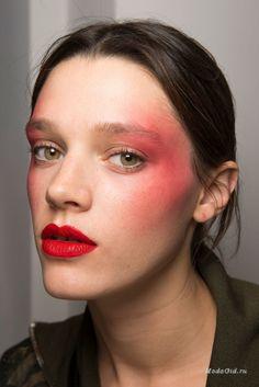Макияж: Бьюти тренды недели моды в Париже сезона весна-лето 2017