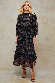 Tiered Paisley Print Midi Dress Bohemian Chic Fashion, Bohemian Style, Boho, Style Magazin, Topshop, Long Sleeve Midi Dress, Dress Images, Day Dresses, Dress Up