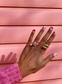 These 40 Nail Art Pictures Are Giving Us All the Mani Inspiration We Need Chic Nail Art, Chic Nails, Stylish Nails, Trendy Nails, Swag Nails, Funky Nail Art, Teen Nail Art, Cute Short Nails, Short Nails Art