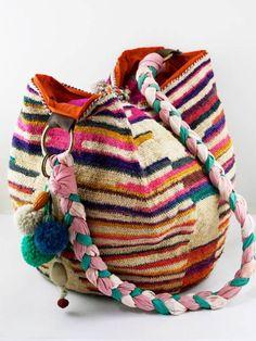 Pasa Boho by pasaboho Estilo Hippie, Hippie Chic, Fashion Bags, Fashion Accessories, Ethnic Bag, Boho Bags, Fabric Bags, Boho Gypsy, Gypsy Bag