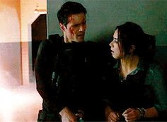 Aw the first thing he does is protectively put his arms around her.< FEEELLLSDS  I hated Ward for what he did. I SHIPPED IT SO HARD!