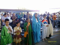 Disfraza a tus hijos de santos para celebrar la solemnidad de Todos los Santos  http://www.homeschoolingcatolico.org/es/disfrazalosdesantos?_ga=1.166186877.234444689.1411517710