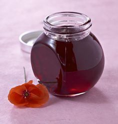 Confit of poppies, the Ôdélices recipe: find the ingredients, the preparation, similar recipes and photos that make you want! Wine Jelly, Jam And Jelly, Chutneys, Gordon Ramsay Butter Chicken Recipe, Gourmet Recipes, Cooking Recipes, Edible Flowers, Breakfast Time, Preserves