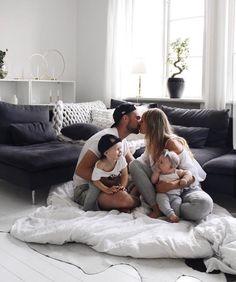 Baby family, family goals и cute family. Cute Family, Baby Family, Family Goals, Couple Goals, Young Family, Life Goals List, Family Pictures, Baby Fever, Family Photography