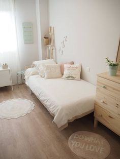107 creative ways dream rooms for teens bedrooms small spaces 69 Small Room Bedroom, Home Bedroom, Bedroom Decor, Bedrooms, Bedroom Lighting, Bedroom Sets, Girls Bedroom, Cama Vintage, Home And Deco