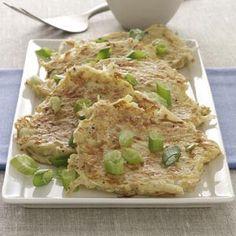 Entree: Sauerkraut Latkes - (Untested); Ingred: Russet Potato, Apples, Sauerkraut, Eggs, Flour, Salt, Pepper, Canola Oil, Sour Cream, Chopped Green Onions