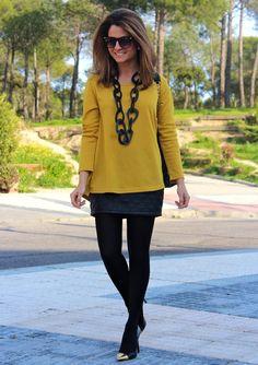 Fashion and Style Blog / Blog de Moda . Post: My purchase in Las Rozas Village / Mi compra en Las Rozas Village .More pictures on/ Más fotos en : http://www.ohmylooks.com/?p=21849 I wear/Llevo: Bag: Carolina Herrera via Las Rozas Village ; Skirt: Zara ; Necklace: Mango ; Sunglasses: Mango ;Shoes: Mango ;Ring: Coolook