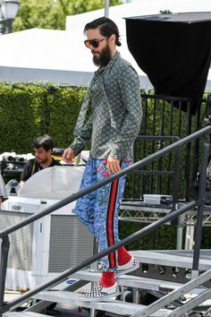 Jared visiting the set of Extra - LA - Life On Mars, Shannon Leto, 30 Seconds, Jared Leto, Actors, Actor