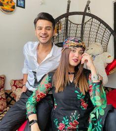 Beautiful Couple, Pakistani, Christmas Sweaters, Stars, Couples, Facebook, Instagram, Fashion, Moda
