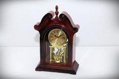 Ceas cu pendula retro - Ceasuri retro Clock, Retro, Home Decor, Watch, Decoration Home, Room Decor, Clocks, Retro Illustration, Home Interior Design