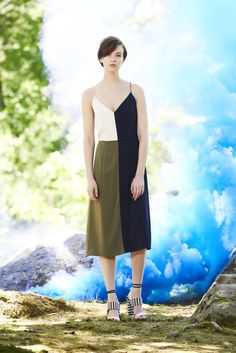 See the complete Tanya Taylor Resort 2016 collection.