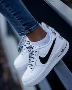 Nike Airforce Sneakers of the Month, # Sneakers - Turns ., Nike Airforce sneakers of the month, # Sneakers - sneakers - New Sneakers, Sneakers Fashion, Sneakers Nike, Nike Trainers, Fashion Shoes, Tumblr Sneakers, Fashion Fashion, Nike Fashion Outfit, Street Fashion