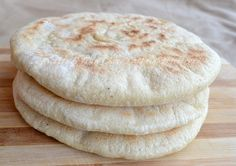 Pane marocchino Le Ricette di Tina Beignets, Bread Recipes, Cooking Recipes, Pita, Bread And Pastries, Pie Dessert, Sweet And Salty, Street Food, Finger Foods