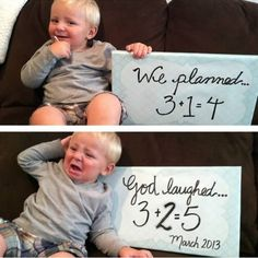 Funniest Pregnancy Announcement Photos: Expecting twins  ☻. ☻  ☺