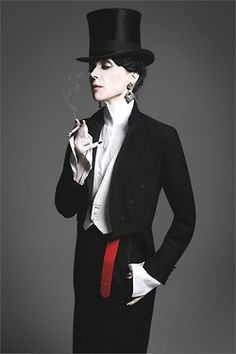 A Life Less Ordinary So chic! I adore this look and would wear it in a New York minute!