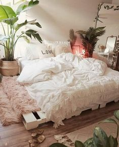 Your dream bedroom: Beautiful White Bedding. Incredibly soft and cozy. Your dream bedroom: Beautiful White Bedding. Incredibly soft and cozy. Cozy Bedroom, Dream Bedroom, Home Decor Bedroom, Bedroom Inspo, Modern Bedroom, Boho Chic Bedroom, Boho Room, Modern Bedding, Decor Room