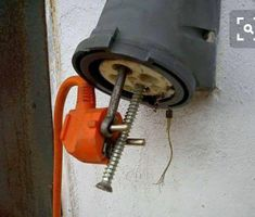 Grunt to prund Electrician Humor, Safety Fail, Construction Fails, Darwin Awards, Mechanic Humor, Youre Doing It Wrong, Electrical Safety, Safety First, Stupid People
