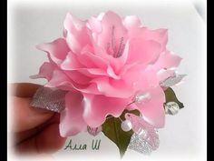 Easy DIY one piece ribbon rose - video kanzashi tutorial Diy Lace Ribbon Flowers, Organza Flowers, Kanzashi Flowers, Diy Ribbon, Ribbon Crafts, Flower Crafts, Fabric Flowers, Paper Flowers, Ribbon Rose