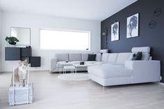 Good morning! Wish you all a lovely day 😽 ---------------------------------------------- #whiteinterior #nordic_homes #interiorwarrior  #interiorinspirasjon #interior_and_living #interioristapicture #skandinaviskehjem #interior4all #interior #interiørmagasinet #interior_oktober @interior_magasinet #nordiskehjem #interior123 #interior9508 #kkliving #charminghomes #boligplussminstil #rom123 #boligpluss #inspiremeinterior #mynordicroom #livingroom #norsuinteriors  #interior #interiør…