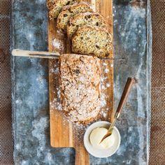 Bröd med vita bönor matigt, nyttigt och mättande - Recept - Tasteline.com Something Sweet, Bruschetta, Banana Bread, Yogurt, Sandwiches, Food Porn, Brunch, Gluten Free, Cheese