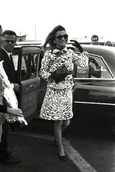 Lee Radziwill arriving in Athens, October 12, 1968