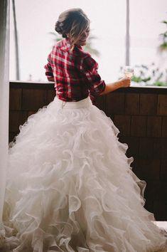 Wedding Tips: Have a Country Wedding - Wedding Tips 101 Country Style Wedding, Rustic Wedding, Wedding Day, Wedding Season, Cozy Wedding, Country Weddings, Wedding Photos, Vintage Weddings, Wedding Advice