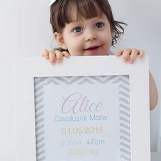 Alicinha e o quadrinho de nascimento dela! ❤️ Uma ótima dica de presente para…