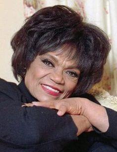 EARTHA KITT nee' EARTHA MAE KEITH 01-17-1927 til 12-25-2008 (81) AMERICAN SINGER, ACTRESS, DANCER, ACTIVIST & COMEDIAN. Eartha Kitt Catwoman, Civil Rights Activists, Black Goddess, Black Angels, African Beauty, Celebs, Celebrities, American Singers, Black Girl Magic