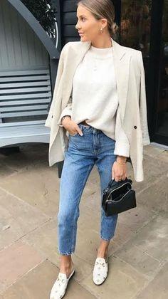 # Casual Outfits jeans capsule wardrobe Comment porter un blazer à 40 ans Style Désinvolte Chic, Style Casual, Mode Style, Casual Chic, Ootd Chic, Mode Outfits, Casual Outfits, Fashion Outfits, Diy Outfits