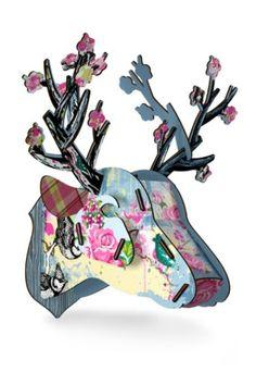 trophée de chasse enfant fleur tête de cerf déco