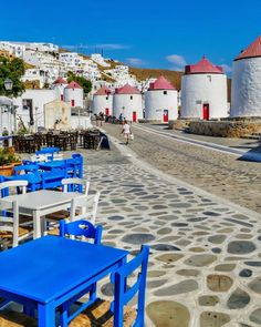 Paid to Travel? Can You Really Get Paid to Travel (or for Free? Vacation Places, Vacation Spots, Places To Travel, Places To Visit, Beautiful Islands, Beautiful Beaches, Mykonos, Santorini, Places Around The World