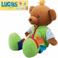 El Oso Lucas además de tierno, entretiene, divierte y enseña a los pequeñines a vestirse, esa gran tarea diaria puede convertirse en un hábito divertido para ellos. www.lacasadelaeducadora.com