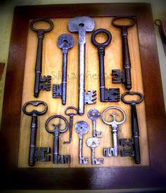 castles need many keys. Antique Keys, Vintage Keys, Vintage Display, Vintage Decor, Skeleton Key Lock, Punk Decor, Key Crafts, Industrial Office Design, Under Lock And Key