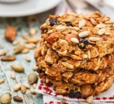 Biscuits with dried fruits and oatmeal to less than 100 calories - Easy And Healthy Recipes Healthy Cookies, Healthy Snacks, Healthy Recipes, Snack Recipes, Fruit Cookies, Dessert Healthy, Vegan Snacks, Breakfast Recipes, Paleo Cookie Recipe
