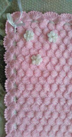 2019 Bebek Battaniye Modelleri 162 Tane En Güzel Örnekler Bebek Battaniye Modeli 114 You are in the right place about Crochet toys Here we offer. Diy Crochet Patterns, Diy Crafts Crochet, Baby Knitting Patterns, Baby Patterns, Crochet Projects, Baby Afghan Crochet, Knitted Baby, Red Hearts, Baby Blankets