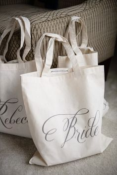 Bridal Party Gifts // Aisle Perfect   Classic meets modern Indiana wedding: http://www.stylemepretty.com/2014/08/15/classic-meets-modern-indiana-wedding/   Photography: http://galleries.averyhouse.net/