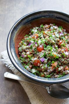 This Red Quinoa Tabbouleh may be the most delicious tabbouleh recipe I've made! It packs up perfectly for lunch or makes a great side-dish! | @tasteLUVnourish