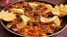 Vegane Paella Recipe on Yummly. Veggie Dinner Recipes, Spanish Food, Cobb Salad, Risotto, Vegan Recipes, Vegan Food, Food Porn, Food And Drink, Veggies