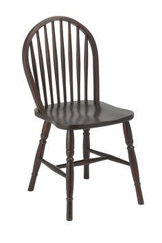 La Silla Vintage Real es una silla de madera al más puro estilo colonial y vintage, fabricada en madera de haya disfruta de un diseño autentico y perfecto para realizar decoraciones donde la madera y en colores oscuros sea la protagonista. Tiene las medidas siguientes: 89 cms altura del respaldo, 43 cms de ancho, 48 cms de profunidad y 46 cms de altura al asiento.