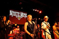 Swing Zazou - vintage swing complete with violin, clarinet and brass, set to an Electro Swing beat....